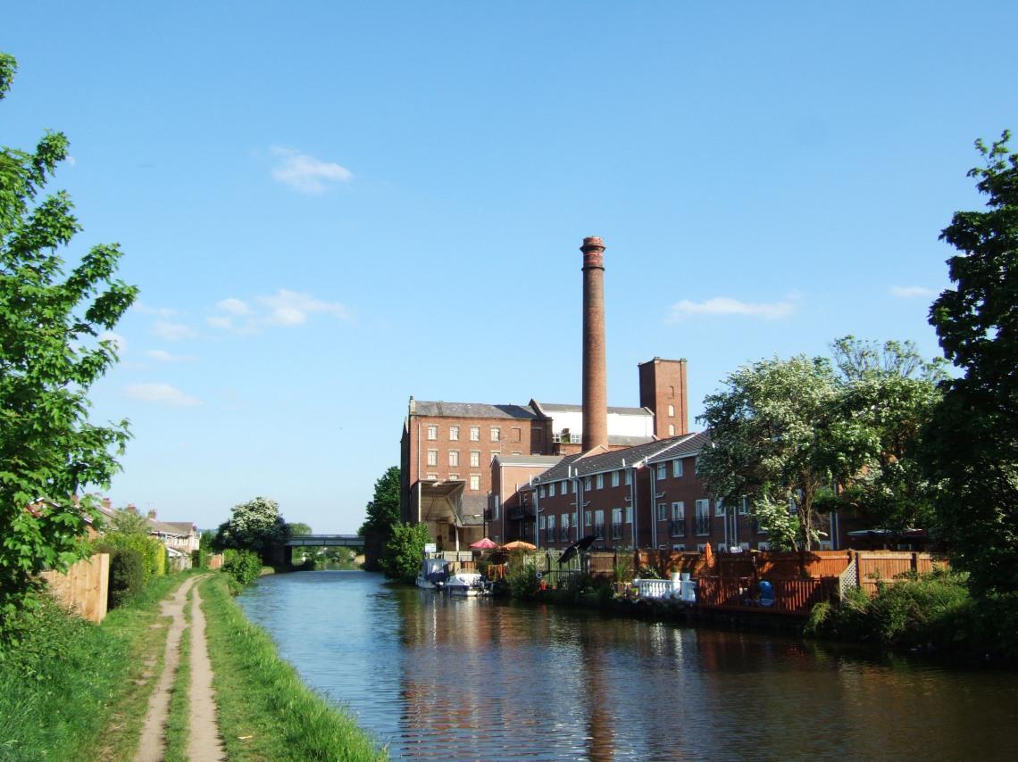 Leeds_and_Liverpool_Canal,_Burscough